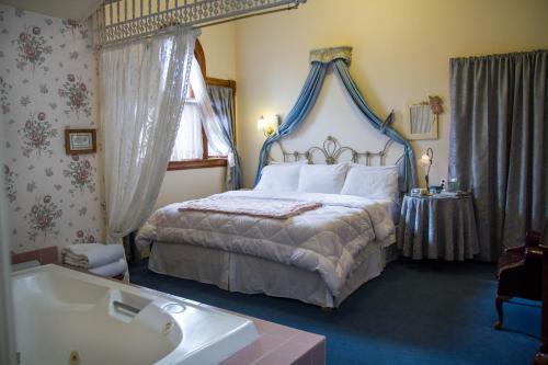 Castle Marne Bed & Breakfast Photo