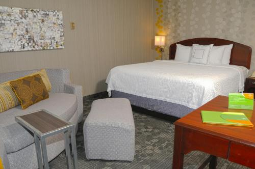 Courtyard by Marriott Colorado Springs South Photo