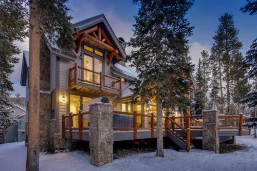 Mountain Bear Lodge - Breckenridge, CO 80424