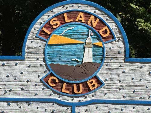 Island Club #1 Photo