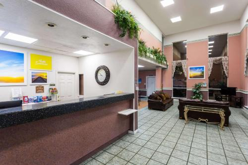 Days Inn and Suites Port Richey Photo
