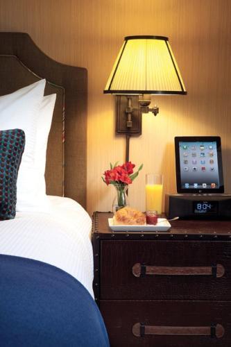 Hotel Lincoln - Chicago, IL 60614
