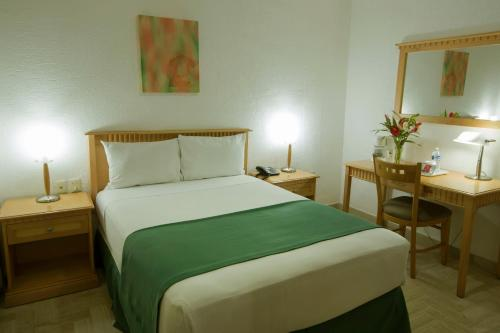 Hotel Don Miguel Photo