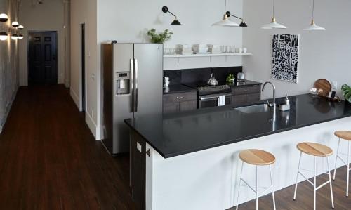 The Grant - 2 Bedroom Broughton Street View Condo (301) - Savannah, GA 31401