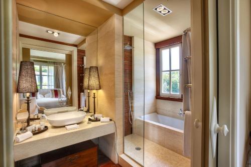 King Room with Garden View Hotel Iturregi 4