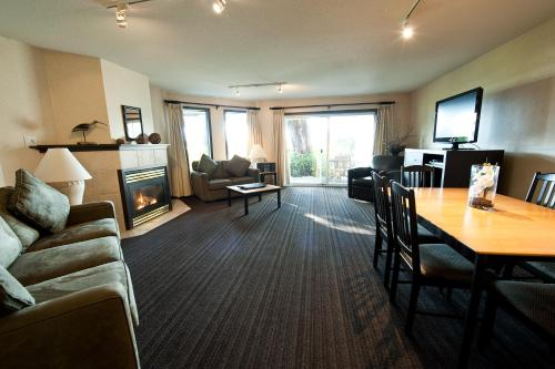 Pacific Shores Resort And Spa - Parksville, BC V9P 9B7