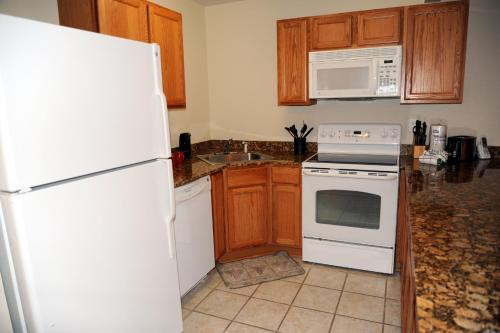 Oak Shores 110 - One Bedroom Apartment - Biloxi, MS 39531