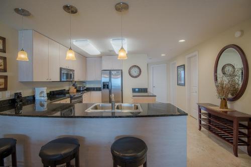 Sea Breeze 504 Deluxe - Two Bedroom Apartment - Biloxi, MS 39531