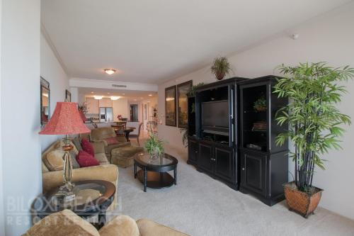 Sea Breeze 702 Deluxe - Two Bedroom Apartment - Biloxi, MS 39531
