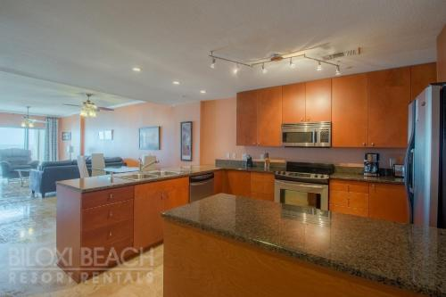 Sea Breeze 404 Deluxe - Two Bedroom Apartment - Biloxi, MS 39531