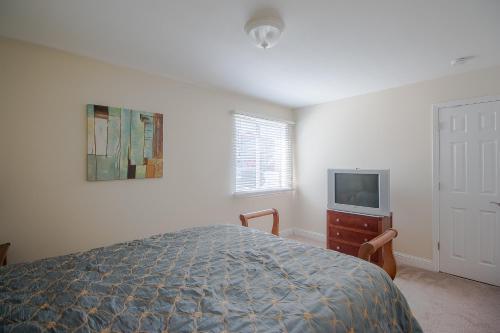 Oak Shores 71 - One Bedroom Apartment - Biloxi, MS 39531