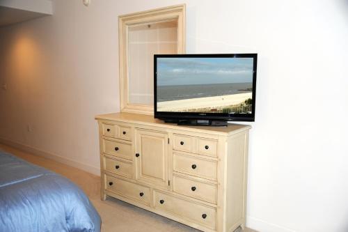 Sea Breeze 310 Deluxe - Two Bedroom Apartment - Biloxi, MS 39531