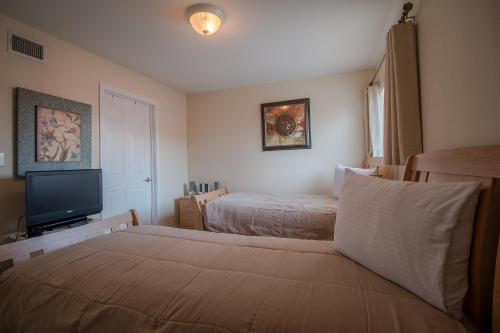 Oak Shores 93 - Two Bedroom Apartment - Biloxi, MS 39531