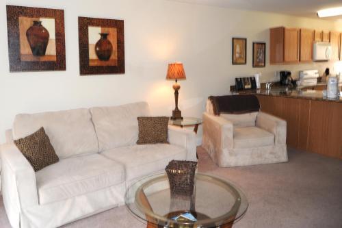 Oak Shores 131 - Two Bedroom Apartment - Biloxi, MS 39531