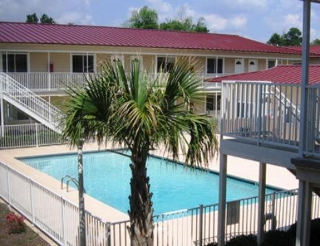 Oak Shores Studio 30 Apartment - Biloxi, MS 39531