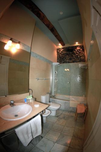 Double or Twin Room Mar Del Sueve 12