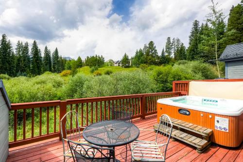Pines 75 Townhome - Breckenridge, CO 80424
