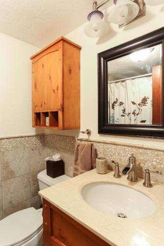 Pow Haus: Modern Beaver Creek 2br W/ Ski Access - Avon, CO 81620