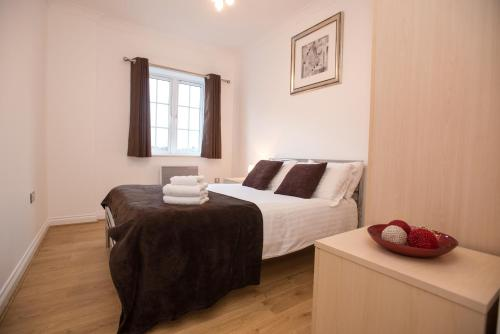 Celador Apartments Riverside House Serviced Apartments, Reading ...
