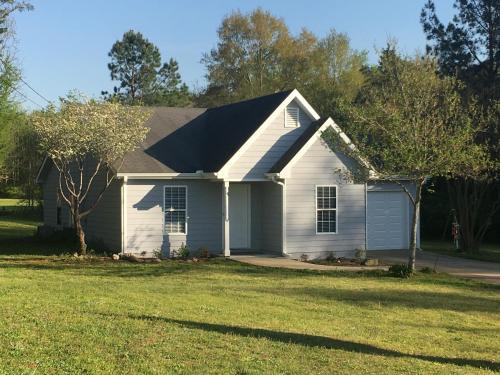 Cottage. Corriedale Farm Bed And Breakfast - Jefferson, GA 30549