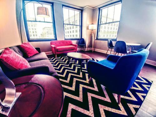 Kc Lofts And Suites