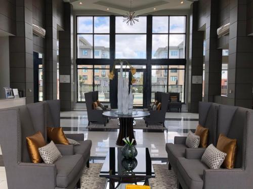 Richmond Apartment Tomicki - Richmond, BC V6X 1C6