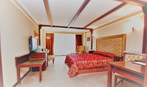 Karaca Hotel, Izmir
