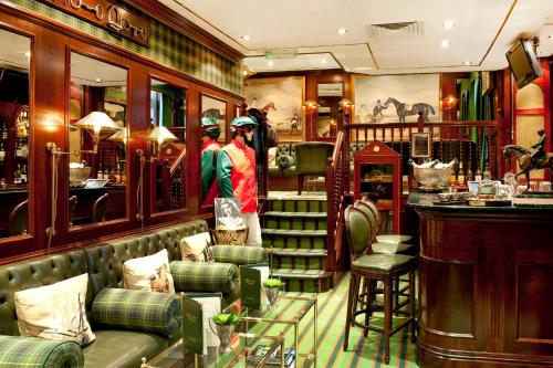Milestone Hotel Kensington photo 28
