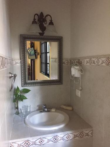 Hotel San Miguel Arcangel Photo
