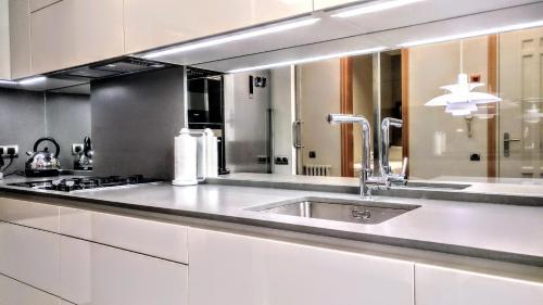 BizFlats Eixample Apartments photo 22