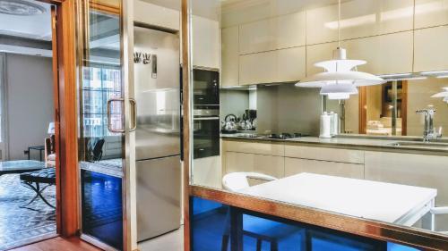 BizFlats Eixample Apartments photo 24
