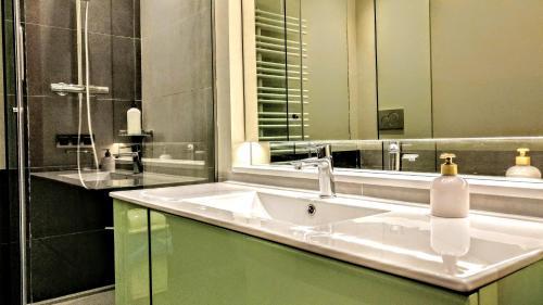BizFlats Eixample Apartments photo 27