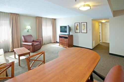 Candlewood Suites Indianapolis Downtown Medical District photo 12