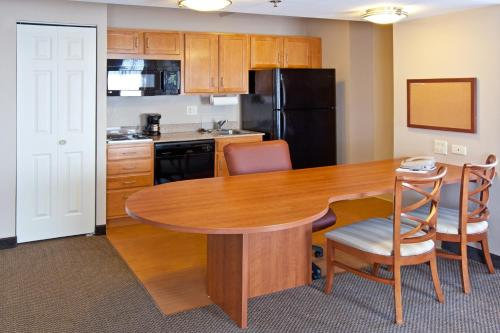 Candlewood Suites Indianapolis Downtown Medical District photo 25