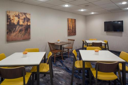 Fairfield Inn & Suites by Marriott Orlando Lake Buena Vista photo 7