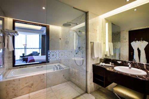 Bab Al Qasr Hotel photo 97