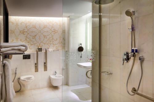 Bab Al Qasr Hotel photo 13