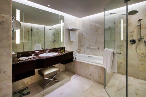 Bab Al Qasr Hotel photo 28