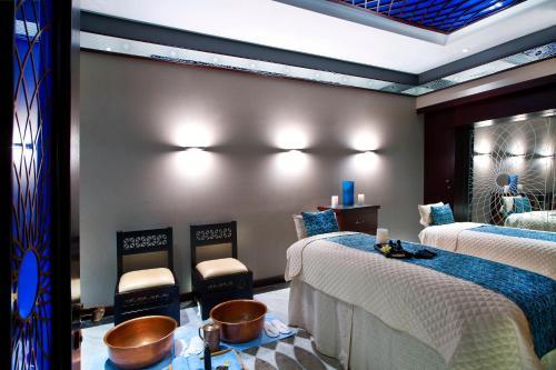 Bab Al Qasr Hotel photo 137