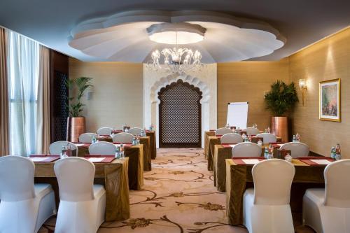 Bab Al Qasr Hotel photo 153