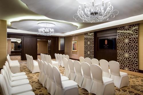 Bab Al Qasr Hotel photo 80