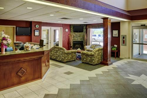 Lakeview Inns & Suites - Chetwynd - Chetwynd, BC V0C 1J0