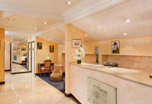 Hotel Du Quai Voltaire photo 25