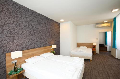 Medosz Hotel photo 62