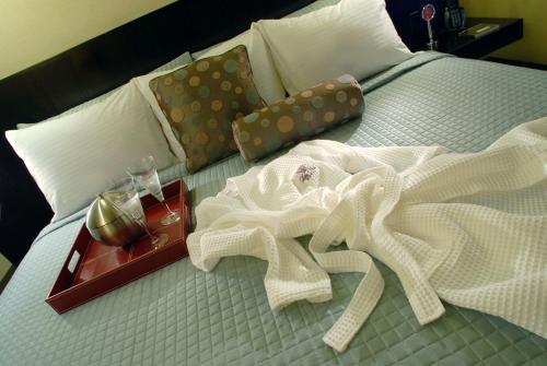 Shaw Club Hotel - Niagara On The Lake, ON L0S 1J0