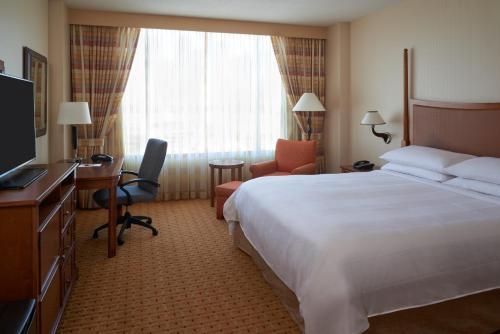 River Cree Resort & Casino Photo