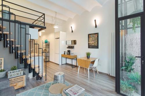 Urban District Apartments-Vintage Suites & Loft photo 53