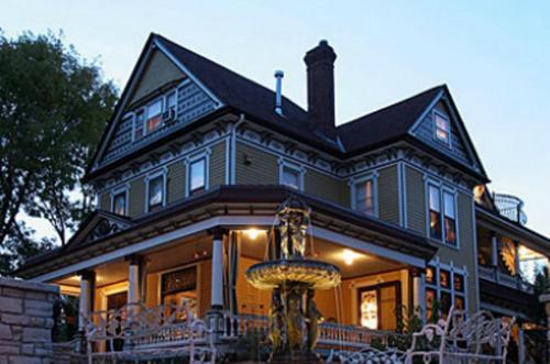 Rivertown Inn Photo