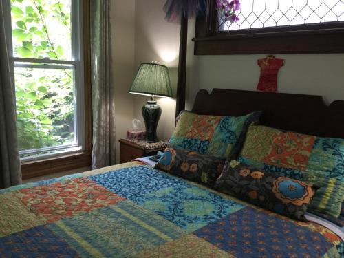 Niagara Inn Bed & Breakfast Photo
