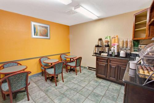 Microtel Inn & Suites by Wyndham Gatlinburg Photo